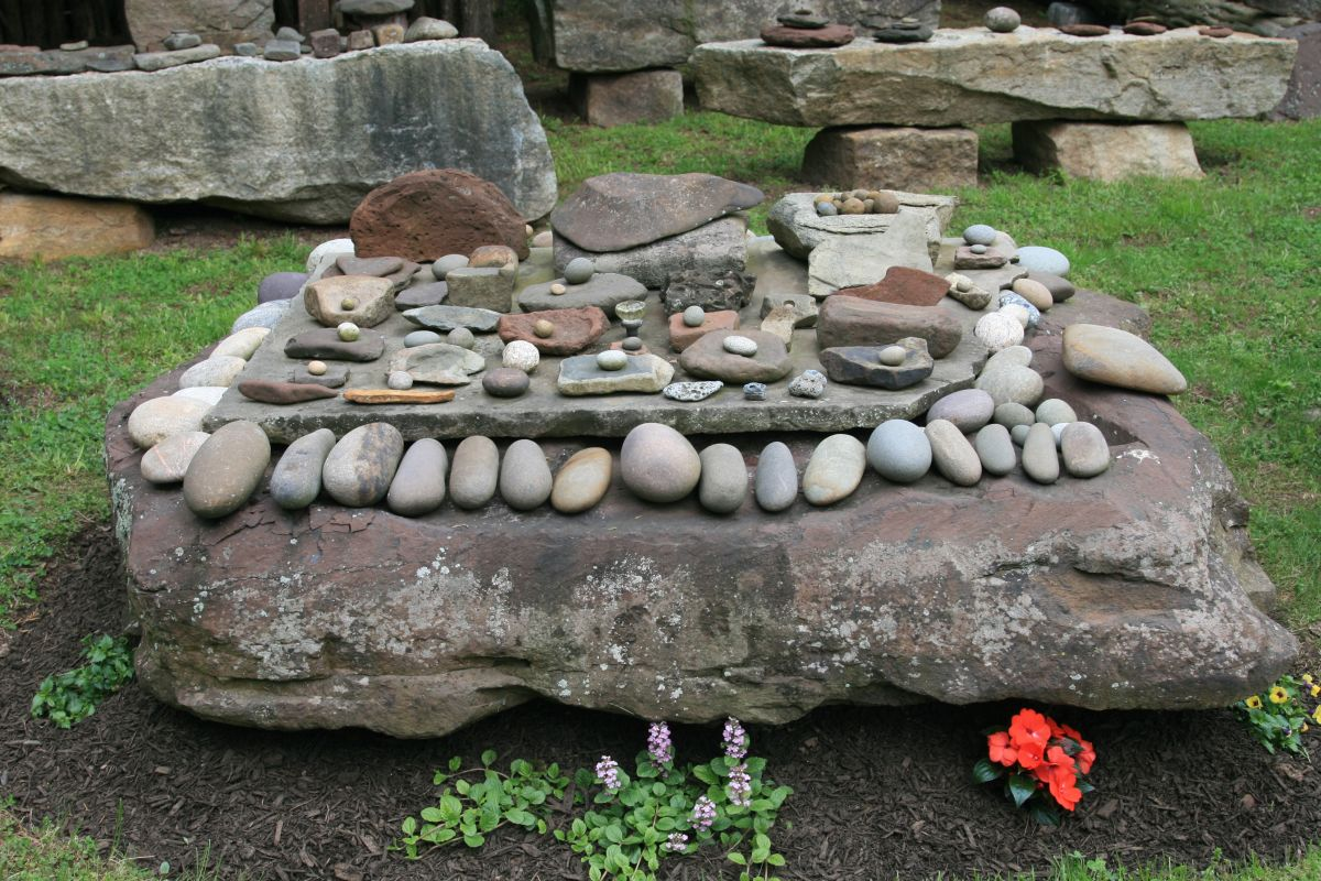 Collections of rocks at Cedar Maze